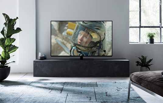 Panasonic-OLED-TV-FZ800-Lifestyle-630x420.jpg